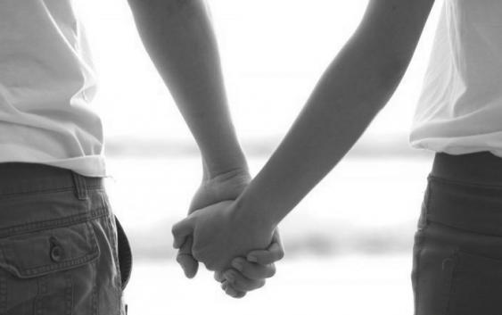 Prendimi la mano