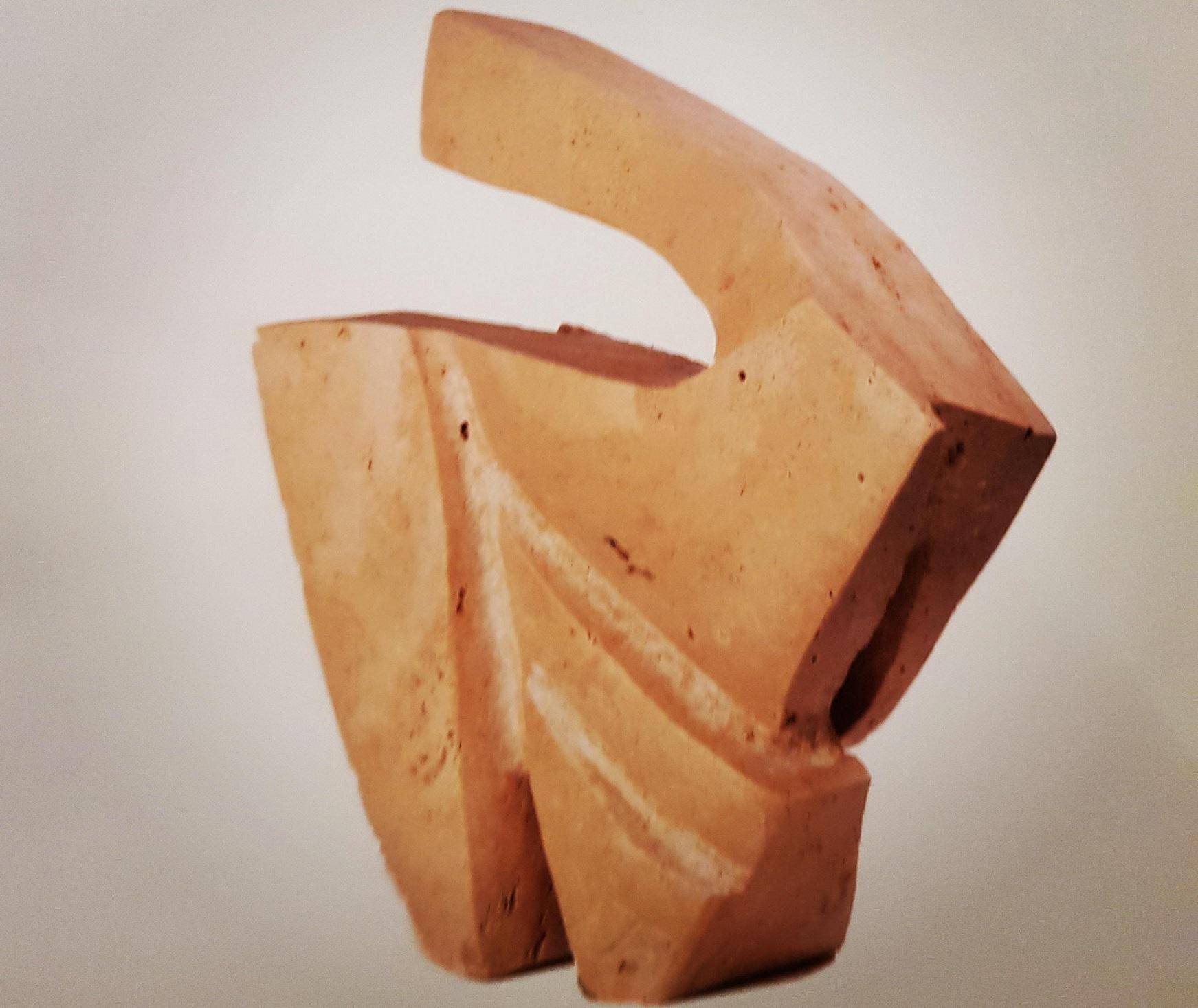 L'Angolo di Marta Lock: Le forme astratte e la sinergia tra differenti materiali nelle sculture di F